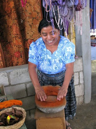 Lake Atitlan Day Tours: Women's textile/weaving collective - San Juan la Laguna