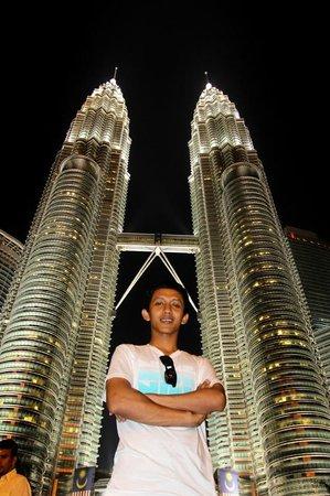 ตึกแฝดเปโตรนาส: Menara Petronas