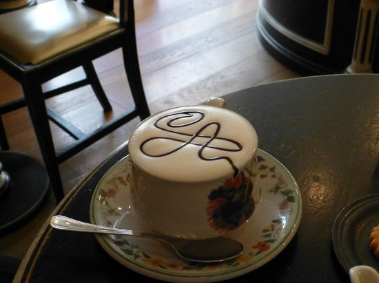 Pasticceria Andemarian: Always a signature on the coffee