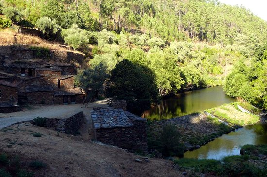 Yurt Holiday Portugal : Olive Mill Swimming Spot
