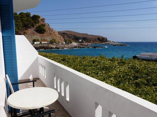 Hotel Restaurant Lefka Ori: vue sur le port