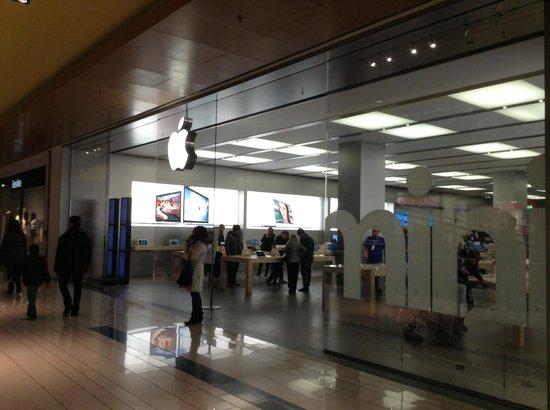 Galleria Commerciale Porta di Roma: Applo Store. Shopping