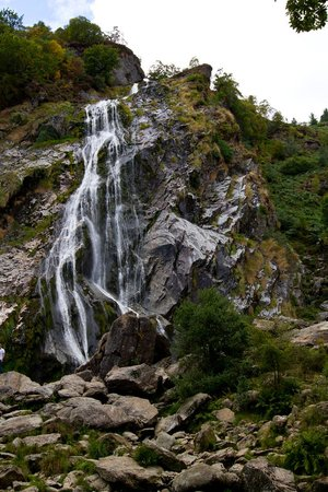 Powerscourt Waterfall: Close up view of the falls