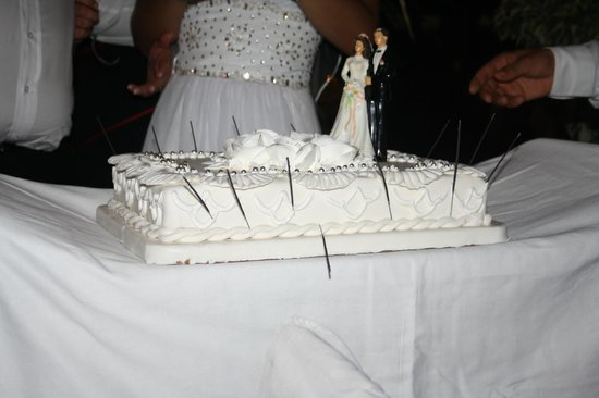 Green Beach Restaurant: wedding cake
