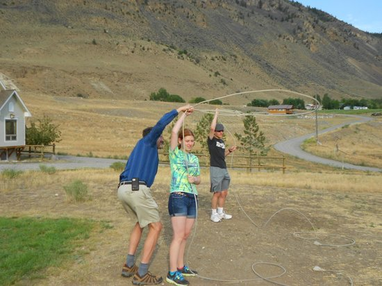 Yellowstone Basin Inn: Roping lessons