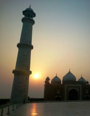 Travel N Tours India : As our guide suggested- I'd definitely recommend visiting the Taj Mahal at sunrise!