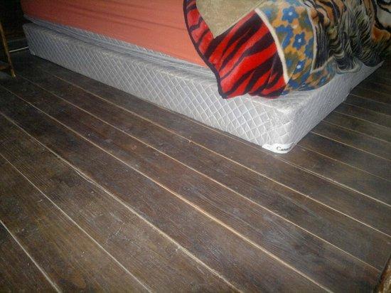 sommier sin patas, para piso de madera? con ranuras de limpieza