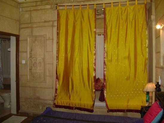 Hotel Lalgarh Fort & Palace: Room