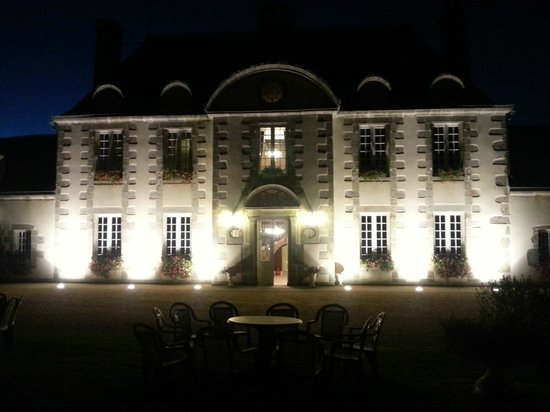 La Marjolaine : Le château, la nuit