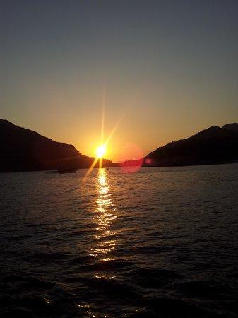 Dorian Hotel: sunset cruise