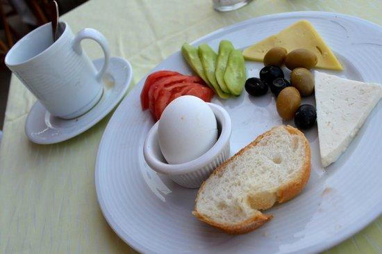 """Olimpia Hotel: The simple, filling, healthy """"kahvalti"""" [breakfast]"""