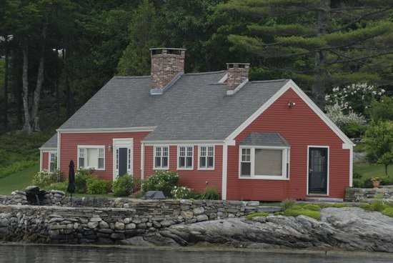 River Run Tours, Inc. : New England Homes