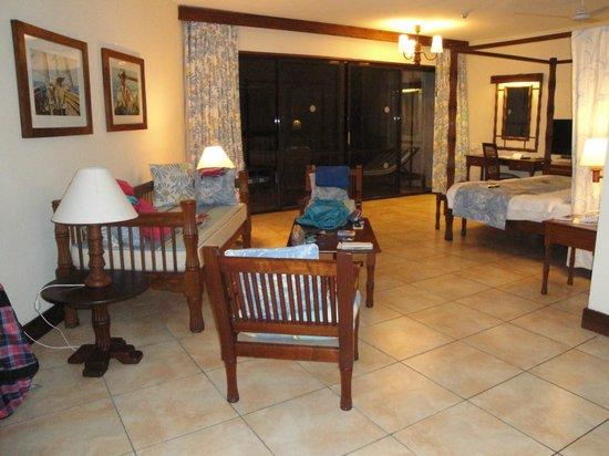 Baobab Beach Resort & Spa: le salon de la chambre