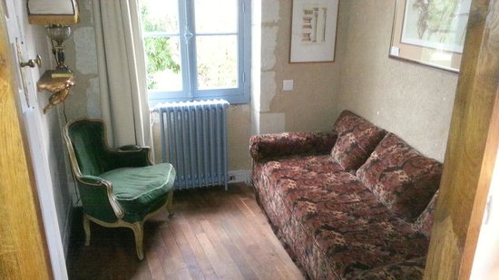 Les Douves D'onzain: Small sitting room