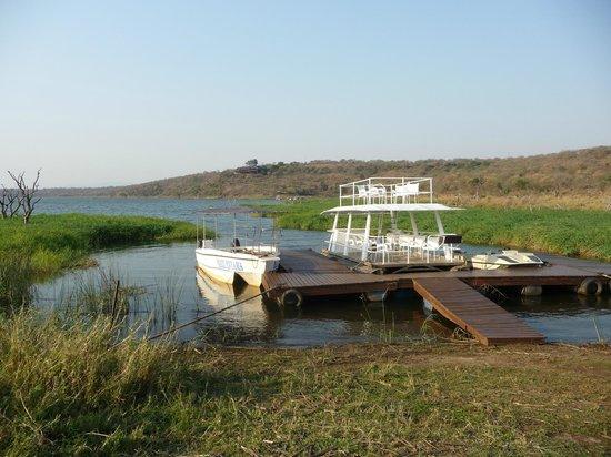 White Elephant Safari Lodge: lago