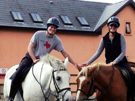 Eclipse Ireland Holiday Homes, Equestrian & Activity Centre: A special honeymoon pony trekking adventure
