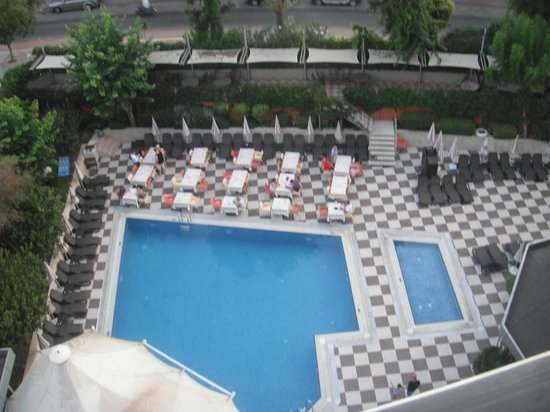 Grand Okan: pool view from 5th floor