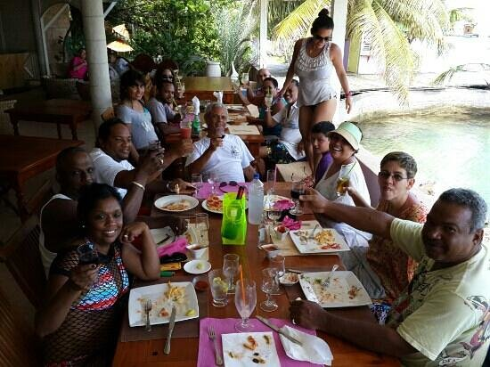 Paradise Beach Hotel: lunch at Union Island with Fantasea Tours.