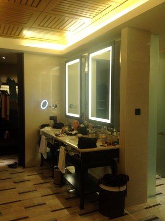 Conrad Koh Samui Residences: Bathroom/Dressing room