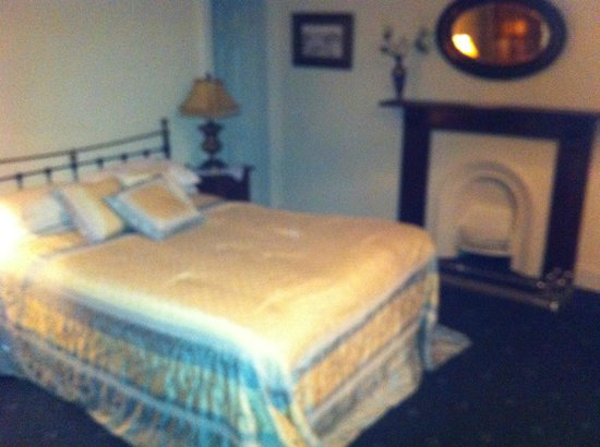 Charlemont House: bedroom