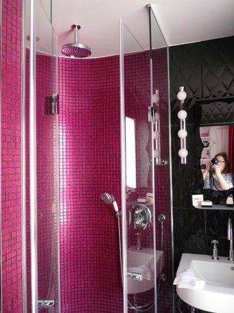 Hotel Vice Versa : Shower