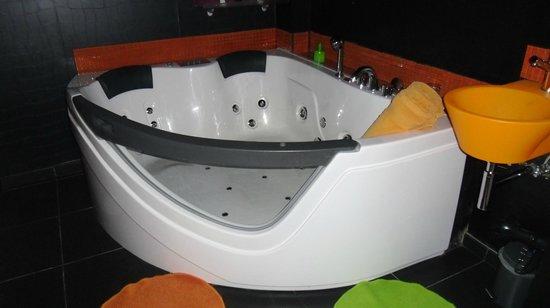 Bubble Lounge Hotel: le jacuzzi
