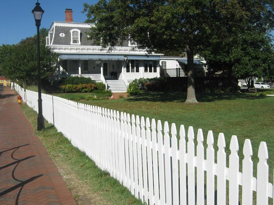 Aida's Victoriana Inn : A short walk to the Chesapeake Bay