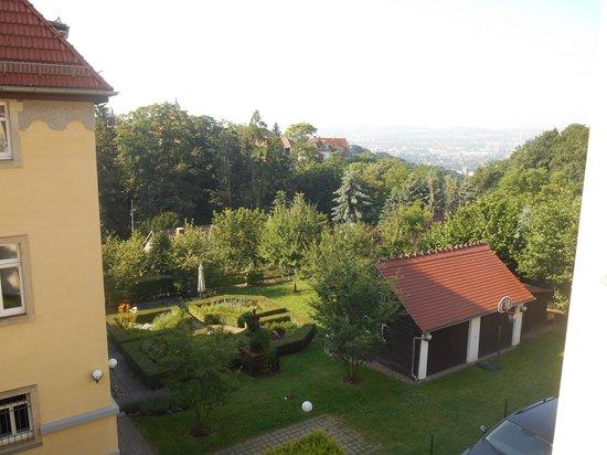 Appartement-Villa Ulenburg: View from bedroom window looking toward downtown Dresden
