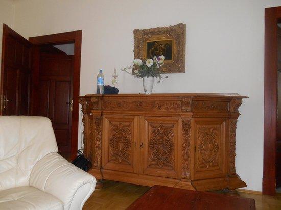 Appartement-Villa Ulenburg: Beautiful chest in living room
