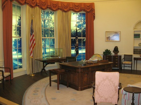 Carter Center : Replica of Oval Office during Carter years
