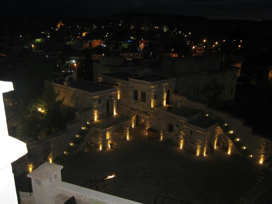 Doors Of Cappadocia Hotel: hotel by night