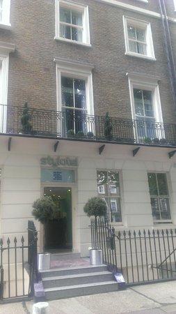 Stylotel : Hotel Entrance