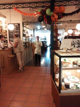 Tsubame Grill, Lumine Ikebukuro: 12.10.28【つばめグリル池袋】店内の雰囲気
