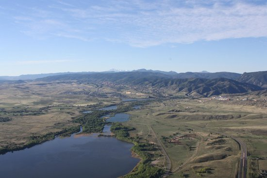 Rocky Mountain Hot Air: Great view west of launch site of mountains