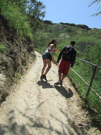 ไดมอนด์เฮด: Hiking to the top