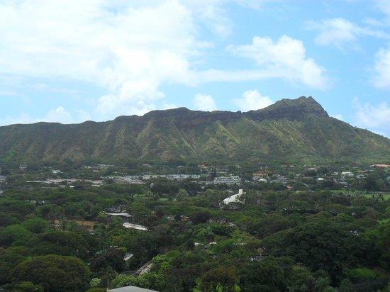 ไดมอนด์เฮด: View from our hotel of Diamond Head