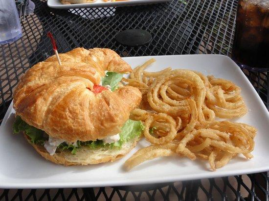 The Ridge Inn: cusabi chicken sandwich & onion tanglers