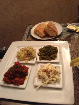 Sirayane Boutique Hotel & Spa : Selection of traditional Moroccan starters