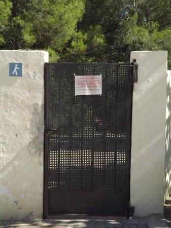 Ribamar Camping y Bungalows: Puerta acceso Calas