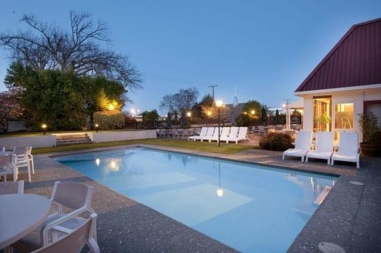 Scenic Hotel Marlborough: pool. TN2