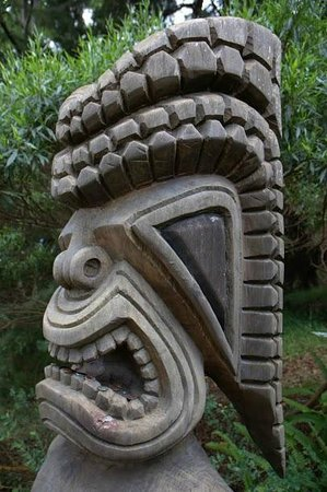 Kula Botanical Garden: Tiki Statue   Note Change In His Mouth