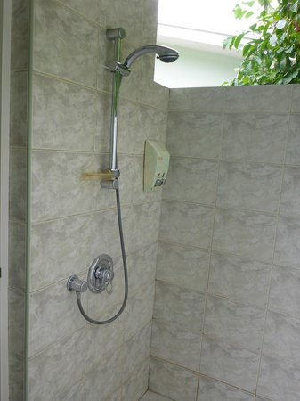 Sun Island Resort and Spa: open air shower place