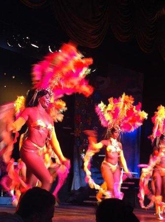 Cabaret Mediterraneo: great dancers