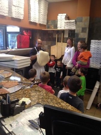 Galileos Italian Restaurant & Pizzeria : kids learning how to make pizza with Mr. G