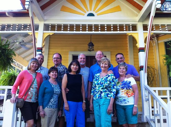 The Laurel Oak Inn: Friends on the front steps