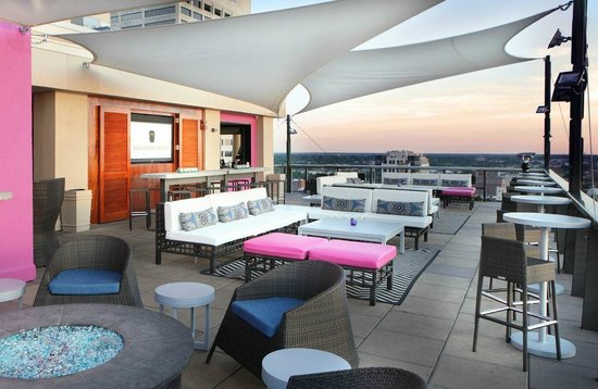 Twilight Sky Terrace | Memphis Rooftop at Madison Hotel