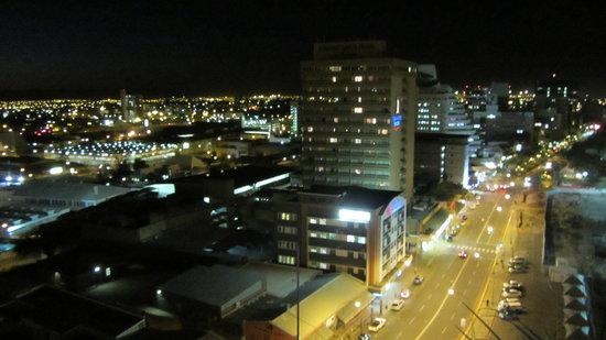 Skybar: night view of windhoek