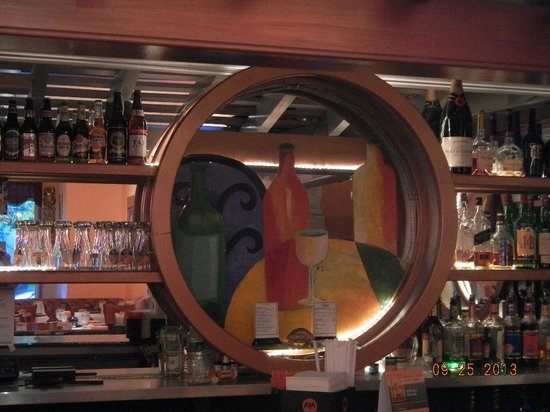 Spice Root : Bar area and art