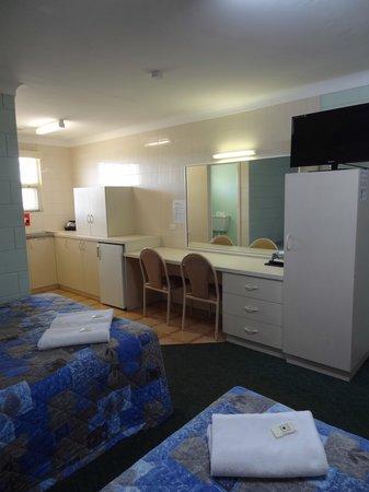 Bunbury Welcome Inn Motel: Kitchenette Room