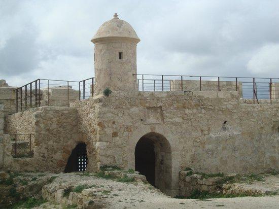 Maniace Castle : Siracusa - Castello Maniace (torre angolare)